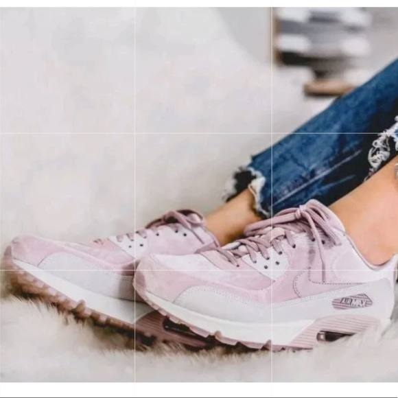 online store 68afb 1f88c ... Nike Air Max 90 Pink Velvet ...